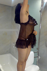 Porn Pics Hot Figure Indian Babe Mehwish Sexy Lingerie