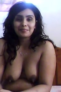 Indian babe masturbating on a webcam