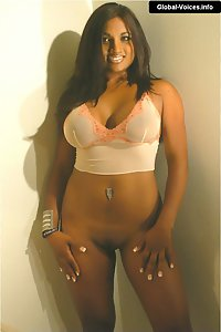 Dusky Indian Babe Erotic Pose In Bedroom
