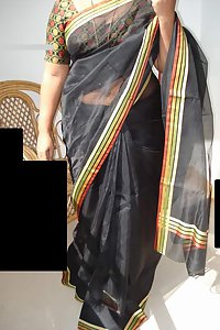 Indian Juicy Mature Aunty Aruna Saree Stripped Naked