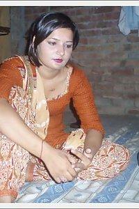 Porn Pics Horny Paki Slut Shaista Naked Beauty Exposed