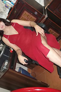Porn Pics Indian Bhabhi Sonia Red Dress Nude Show