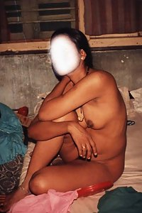 Amateur Indian wife showing her big breast