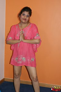 Indian Babe Rupali in naughty mood