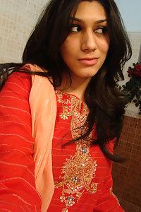 Porn Pics Sweet Indian Babe Natasha Taking Her Nude Selfies