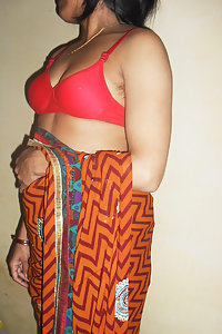 Bhabhi Photos & Free Indian Wife Nude Pictures