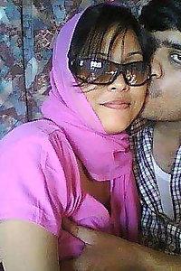 Porn Pics Indian Bhabhi Nehal Honeymoon Sex Pics