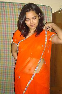 Horny Indian Juicy Bhabhi Deepa Posing Hot In Saree