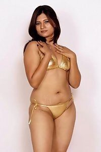 Porn Pics Hot Indian Model Nikita In Golden Bikini