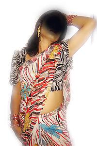 Porn Pics Indian Bhabhi Guddia Saree Stripped Naked