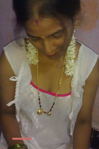 Karnataka Sexy Wife Tridhara White Saree Naked