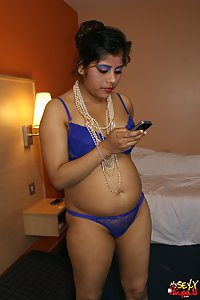 Indian Babe Rupali exposing in her favorite blue lingerie
