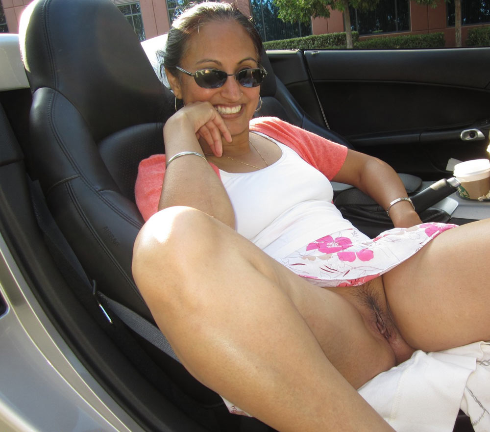 Remarkable Indian girl naked in car