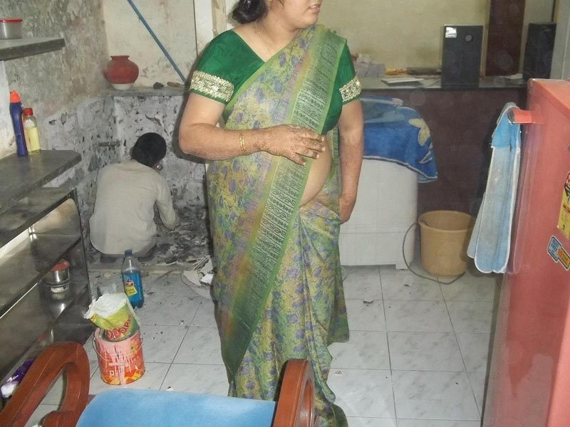 nude indian mom in kitchen