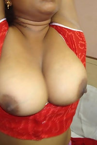 Porn Pics Indian Village Aunty Showing Her Boobs