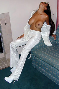 Indian gf in her night suit opening her top to show off her boobs
