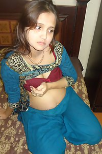 Pregnant Indian Wife Sonia XXX Porn Pictures