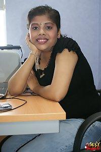 Rupal chatting in her boyfriend office cabin exposing