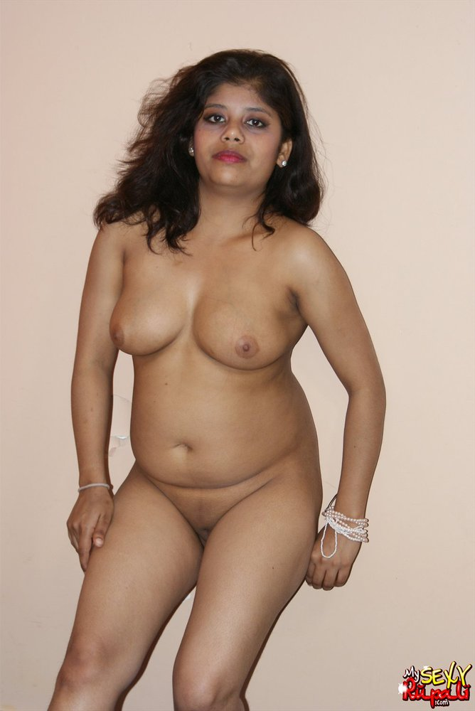image Indian pornstar babe rupali showing her warn vagina and fuck