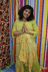 Indian Babe Rupali in green shalwar suit