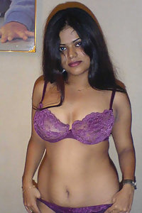Indian Wife Neha beauty bird from bangalore stripping naked