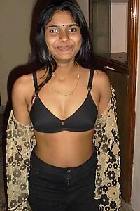 Porn Pics Dusky Indian Bhabhi Sitting Nude At Home
