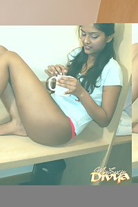 Seductive amateur babe divya with her lover in two piece