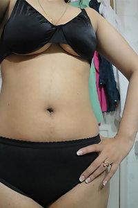 Porn Pics Indian Bhabhi Smita Nude Selfies In Bathroom