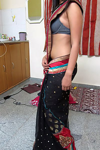 Porn Pics Indian Monisha In Saree Stripped Naked At Home