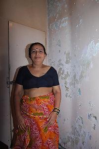 Porn Pics Indian Mature Aunty Yashoda Nude Pics