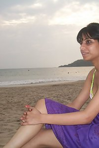 Pakistani GF XXX Images Nude At Beach
