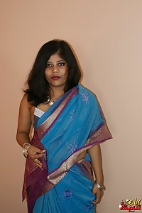 Indian Babe Rupali in indian saree stripping naked