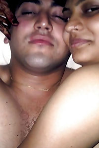Porn Pics Indian Sexy Couple Leaked Honeymoon Pics
