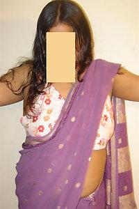 Indian Babe Erotic Romantic Dancing Posing Nude