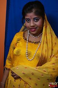 Horny looking rupali bhabhi in yellow shalwar suit looking hot