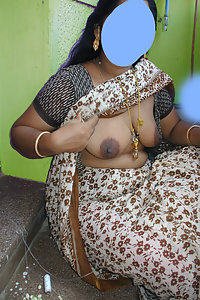 Porn Pics Hot Indian Village Bhabhi Showing Her Boobs