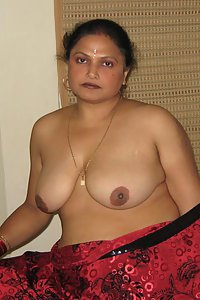 Porn Pics Indian Aunty Shakuntala Exposing Huge Boobs