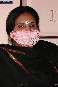 Porn Pics Big Boob Aunty Indu Posing Nude On Bed